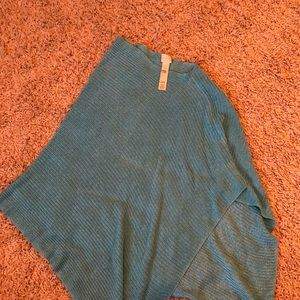 Sweaters - Turquoise poncho